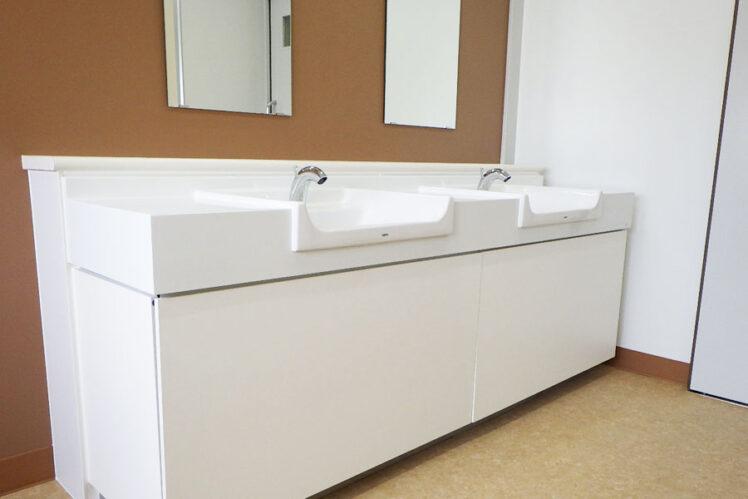 カウンター洗面器(体育館側トイレ)