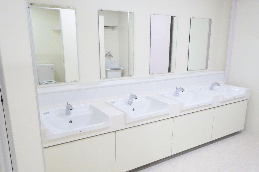 北栄小学校校舎 トイレ改修機械設備工事